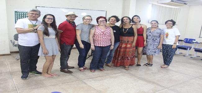 Reunião discute caminhos para o I Seminário do Grupo de Estudos Feministas Zo'é